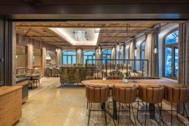 Die Restaurants im Stegerbräu sind vielseitig, vom Bräusaal über gemütliche Stuben, Café- und Barbereich bis zu großem Gastgarten