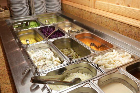 Abendmenü - Salatbar - in Buffetform im Hotel Stegerbräu Radstadt
