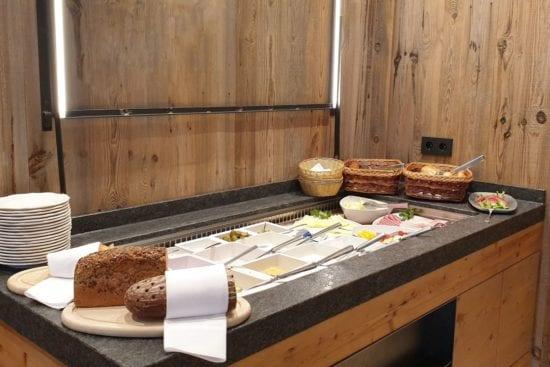 Das Frühstück im Stegerbräu gibt es in Buffetform, entweder im Panorama-Restaurant oder im Bräusaal