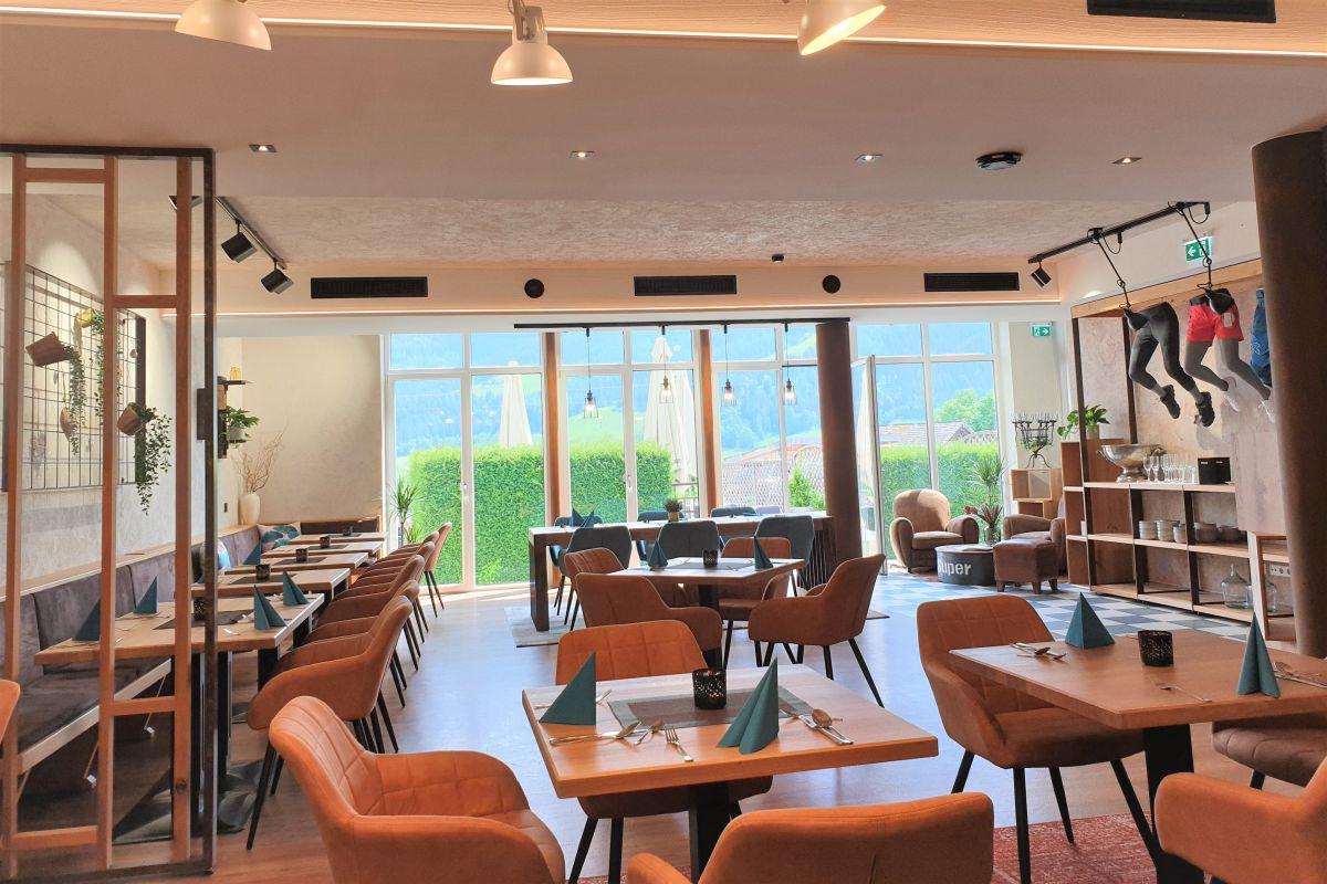 Das Frühstücks-Restaurant im Stegerbräu im neuen Look - modern und trendig