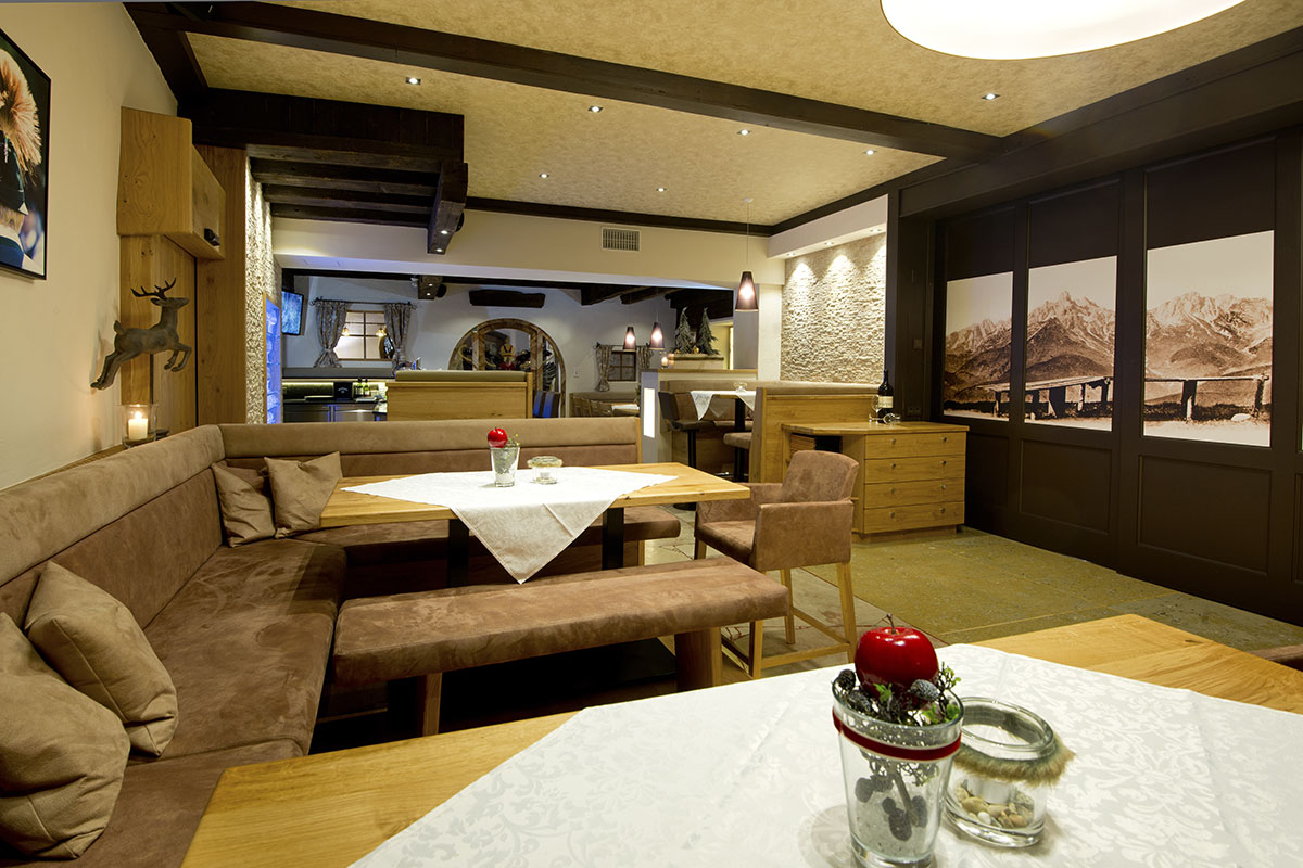 Café- und Barbreich im Restaurant Stegerbräu