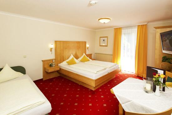 Wohnbeispiel Zimmer Typ Bräu-Komfort mit extra Sofabett