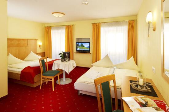 Wohnbeispiel für ein Vierbettzimmer Typ Bräu-Komfort mit extra Sofabett